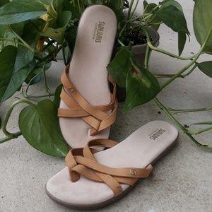 G. H. Bass Tan Sunjuns Size 9 Sandals